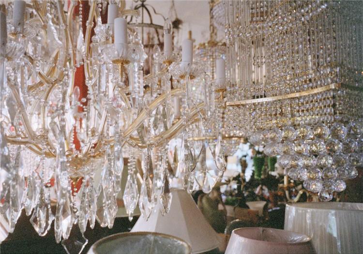 http://weihsinyen.com/files/gimgs/th-15_11_Untitled(Crystal_lights)_w.jpg